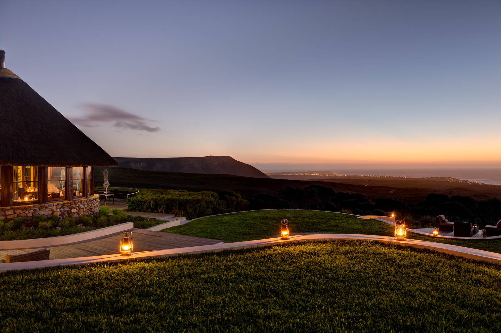Grootbos-soft-lighting-adds-to-cosy-ambience-of-grootbos.jpg
