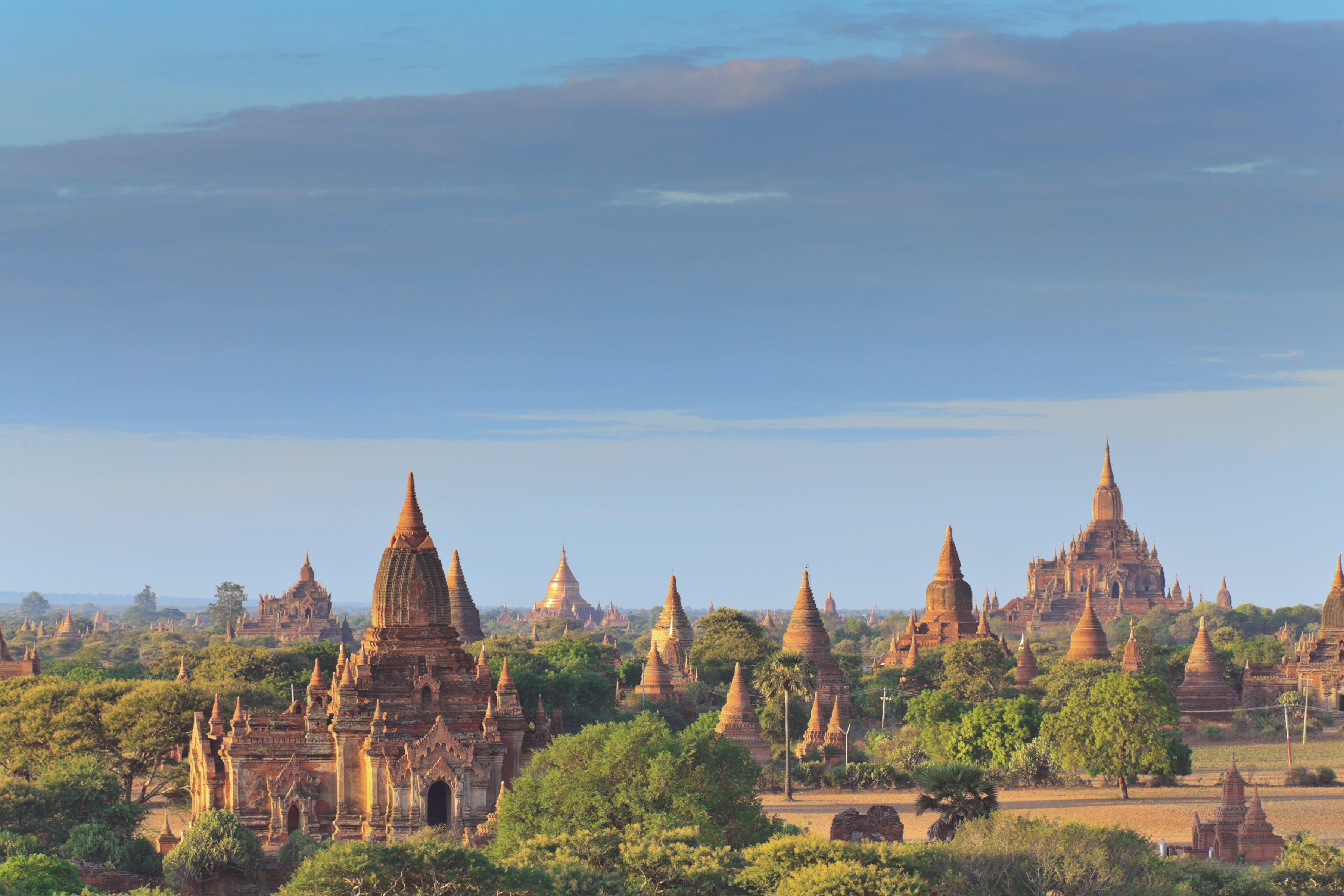 Sunrise-at-Bagan-Burma.jpg