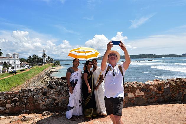 Jerry-Sri-Lanka-Selfie-with-Local-Community-People.jpg